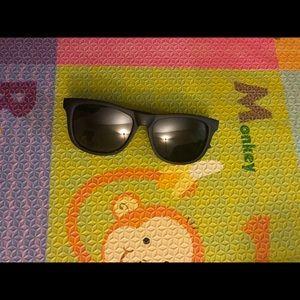 Mustachifier baby sunglasses